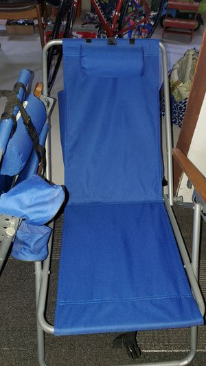 Photo Beach chairs w/ backpack new