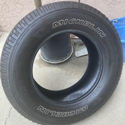 (2) 275/65/18 Michelin Tires 70% Thread Left Thumbnail