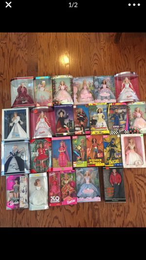 Photo 25 new Barbie dolls and 1 new James Dean doll