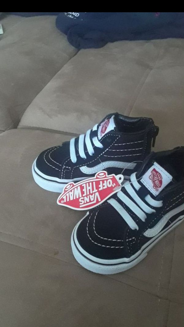 8cf9ae51051c Baby converse size 3 for Sale in Plantation