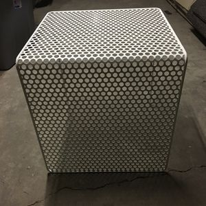 Modern End Table for Sale in Chicago, IL