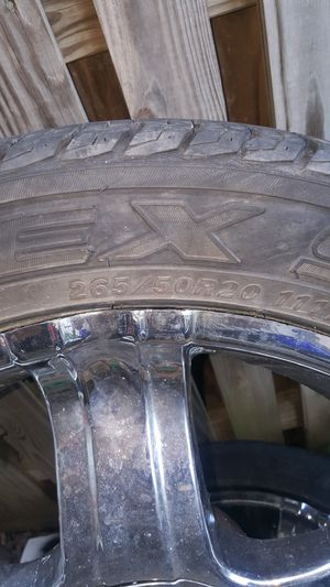 265/50/20 tires and chrome wheels for Sale in Frederick, MD