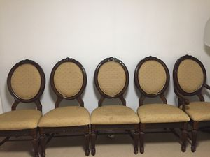 8 Dining table chairs fancy for Sale in Montclair, VA