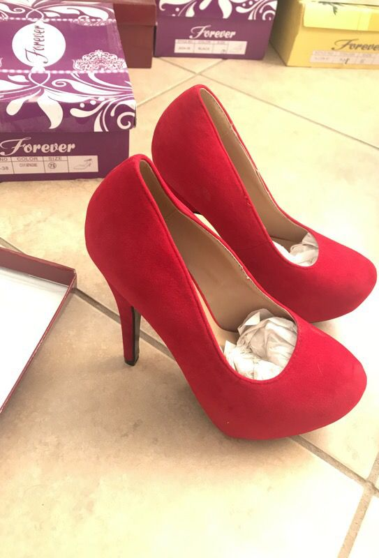 Size 6 Red Suede heels