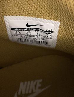 Nike's Thumbnail