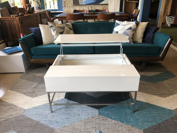 West Elm White Lift Top Coffee Table For Sale In Plainfield IL - West elm lift top coffee table