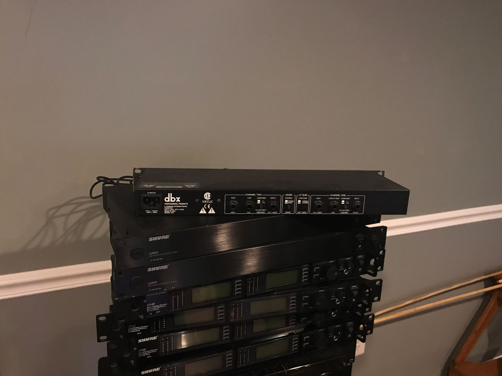 DBX 223 stereo crossover