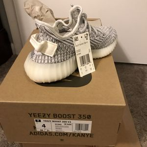 Adidas Yeezy Boost 350 V2 Static Size 4 for Sale in Port St. Lucie, FL