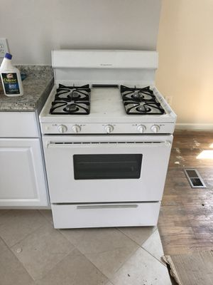 Gas range for Sale in Oxon Hill, MD