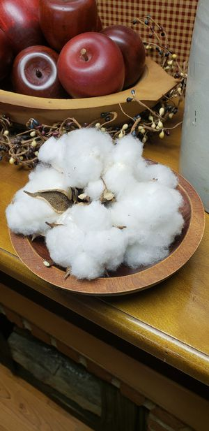 Small wooded bowl with genuine cotton for Sale in Farmville, VA
