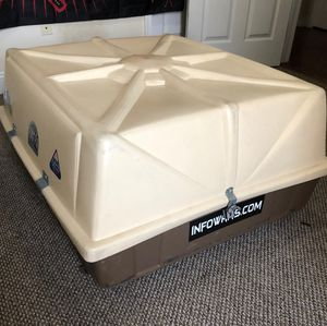 Car top storage container for Sale in Philadelphia, PA