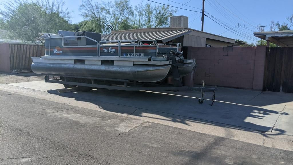 Photo 1988 Sun Tracker Bass Buggy Pontoon Boat