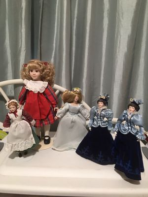 Photo Pre estate porcelain doll w stands .