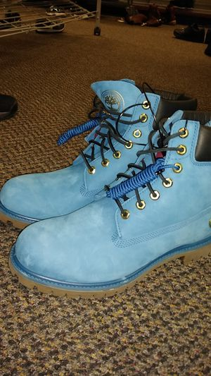 Blue Timberlands SIZE 10 for Sale in Lincolnia, VA