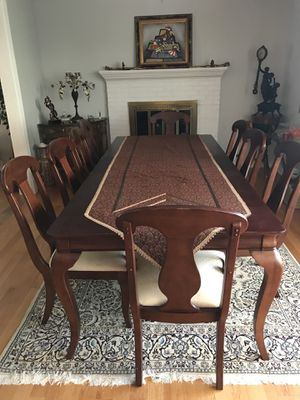 Gorgeous Dark Wood Dining Table Set for Sale in Fairfax, VA