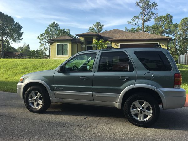 2005 Ford Escape Hybrid 4cyl Great On Gas Ice Cold Ac New