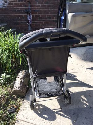 Graco click connect car seat and stroller for Sale in Alexandria, VA
