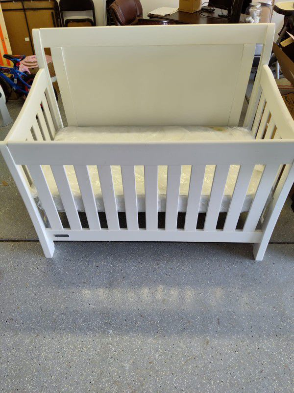 4 In 1 Convertible Crib