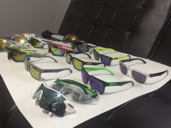 e11acdc4f8060 Sunglasses 2 for  20. All completely new without use. Make me an offer.