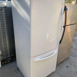 Bottom Freezer White Kenmore FREE Delivery 🚚 In San Fernando Thumbnail