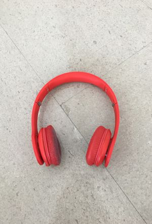 Beats by dr. Dre solo hd red edition for Sale in Miami, FL