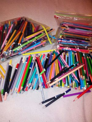 500 piece color pencil lot for Sale in Glen Burnie, MD