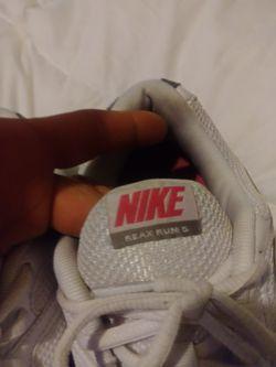 Nike reax Thumbnail