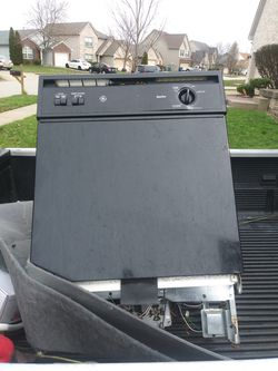 Electric stovetop and dishwasher Thumbnail
