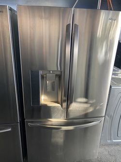 $749 LG stainless steel a French door refrigerator with delivery in the San Fernando Valley Thumbnail