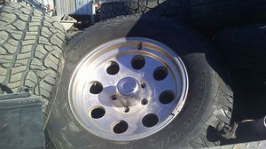265/70r17 rims and tires for Sale in San Antonio, TX