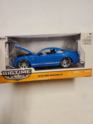 Photo Brand New Die Cast Metal 2010 Ford Mustang GT Toy Car $17.00