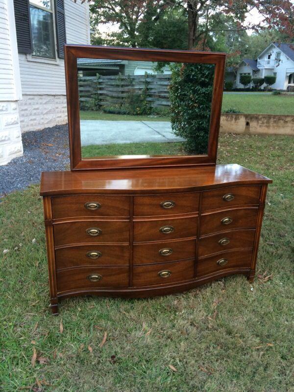 Vintage Dixie 9 Drawer Dresser For