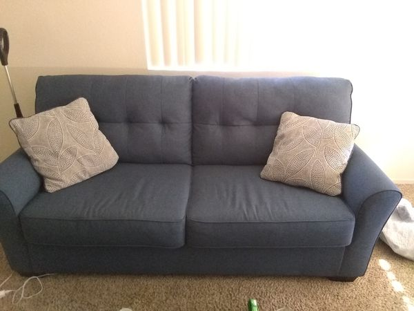 Jacoby Blue Sofa and loveseat for Sale in Temecula, CA - OfferUp