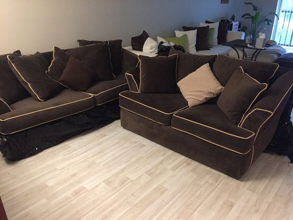 Complete living room set ( sofa , loveseat, ottoman) (Furniture) in ...