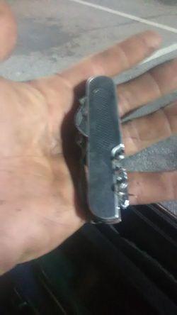 Swiss Army knife Thumbnail