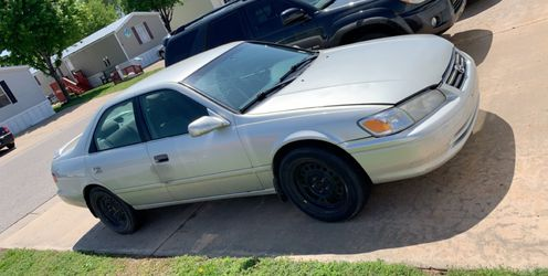 2000 Toyota Camry Thumbnail