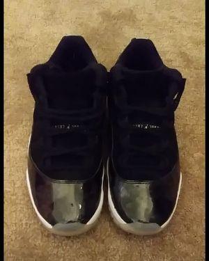 6a070e3873bef3 Air Jordan 11 low Tuxedo size 5c toddler for Sale in Hialeah