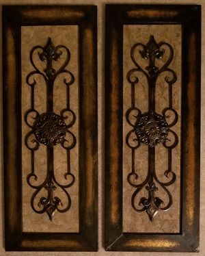 PAIR OF BROWN/GOLD METAL MEDALLION WALL DECOR for Sale in Centreville, VA