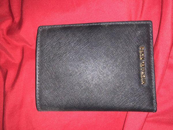 bdd72586157 Men's MK passport holder/wallet for Sale in Glendale, AZ - OfferUp