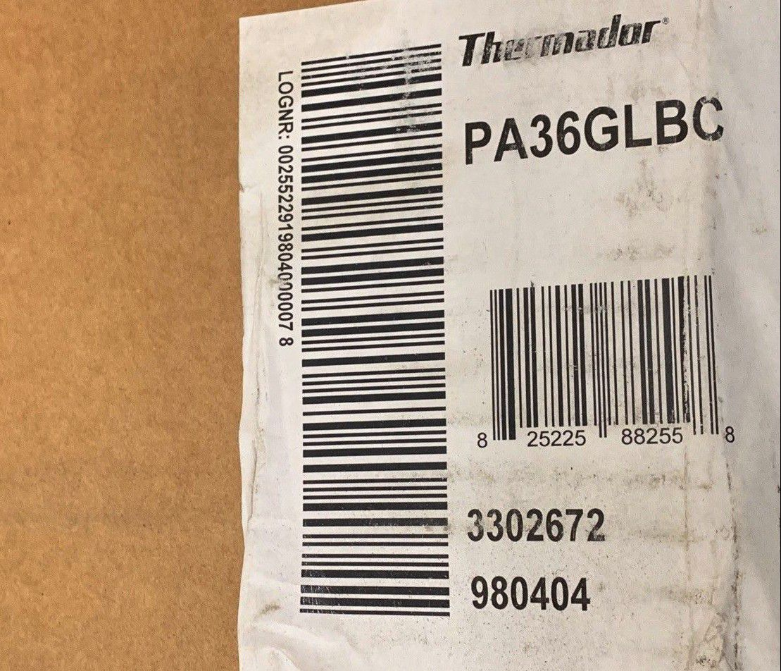 Q THERMADOR PROFESSIONAL SERIES PA36GLBC 12 INCH LOW BACK GUARD FOR 36 INCH RANGE