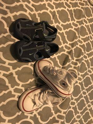 Zapatos converse size 5c y Nike size 5c los dos pares por $25 for Sale in Silver Spring, MD