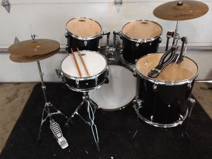 Photo Fender Drum Kit