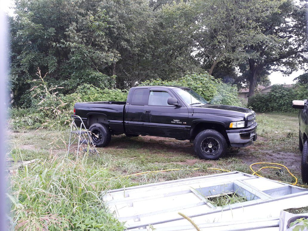 1998 Dodge Ram 1500 Club Cab