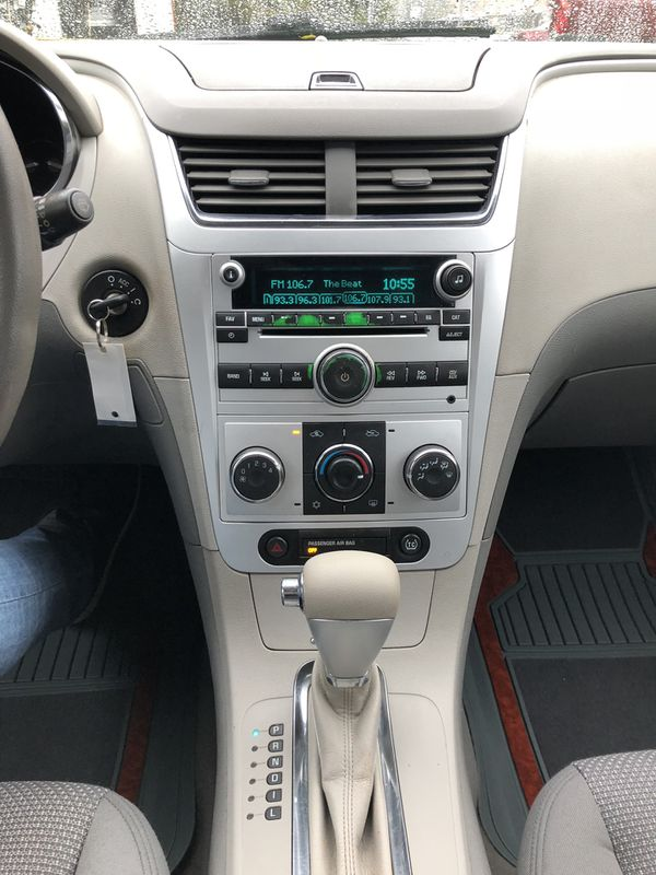 Nissan Columbus Ohio >> Chevy Malibu 2010 for Sale in Columbus, OH - OfferUp