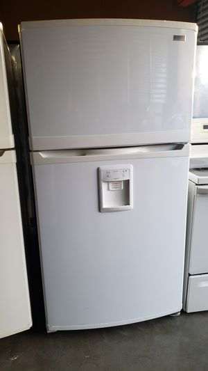 KENMORE FRIDGE ON GOOD CONDITIONS!! for Sale in Auburn, WA