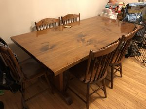 Dining room table for Sale in Rockville, MD