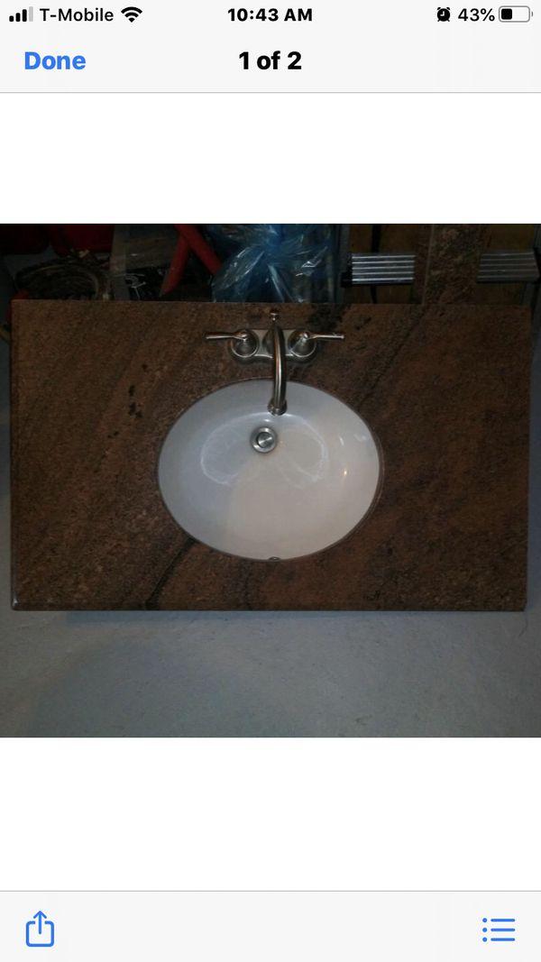 Bathroom vanity for Sale in Fort Lauderdale, FL - OfferUp