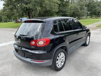 2010 Volkswagen Tiguan Thumbnail