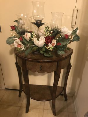 """30""""Hx25""""Lx12""""w wood half moon table with free flower candle holder centerpiece pm me for Sale in Gaithersburg, MD"""