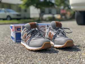 New Balance 574 grey/gum $50 size 9 for Sale in Adelphi, MD